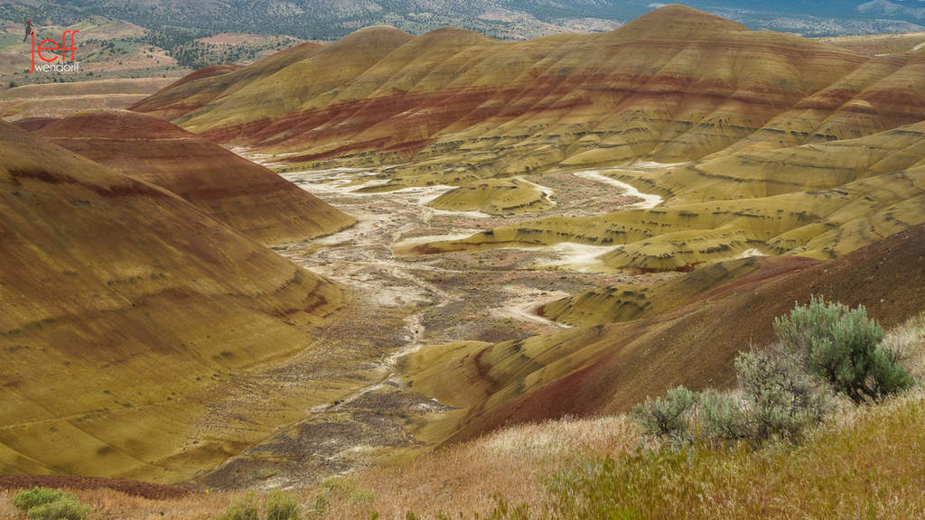 Painted Hills Vista from the Overlook Trail photographed by Jeff Wendorff